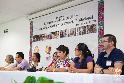 Encuentro Experiencias de Formación y Transmisión de Saberes de Partería Tradicional